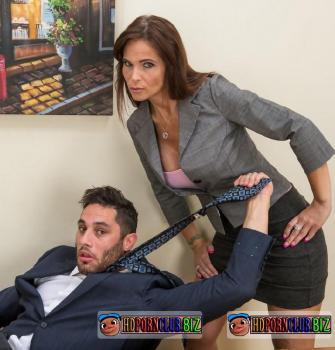 MyMilfBoss.com/Wankz.com – Syren De Mer – Sexy Milf Boss Syren De Mer Exploits Employee for Dick [HD 720p]