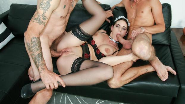 Порно итальянское жесткое, щупал груди проститутки