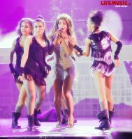 https://t9.pixhost.to/thumbs/623/41073284_nyusha_foto_koncert_crocus_2012_6426a1b1.jpg