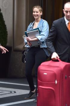 Jennifer Lawrence leaving her hotel in 5