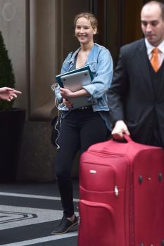 Jennifer Lawrence leaving her hotel in 6
