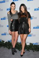https://t9.pixhost.to/thumbs/744/42096625_kendallkylie_jenner_2012kiisfmjingleball_-9.jpg
