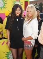 https://t9.pixhost.to/thumbs/744/42097176_kyliejenner_26thannualkidschoiceawards_-31.jpg
