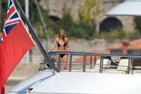 https://t9.pixhost.to/thumbs/788/42410790_42253160_gwyneth-paltrow-in-bikini-on-a-yacht-in-st-tropez-20170619-5.jpg