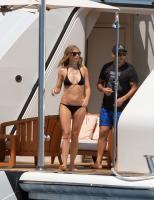 https://t9.pixhost.to/thumbs/788/42410858_42253172_gwyneth-paltrow-in-bikini-on-a-yacht-in-st-tropez-20170619-14.jpg