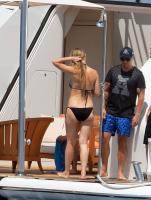 https://t9.pixhost.to/thumbs/788/42410879_42253175_gwyneth-paltrow-in-bikini-on-a-yacht-in-st-tropez-20170619-16.jpg