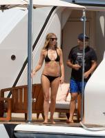 https://t9.pixhost.to/thumbs/788/42410906_42253180_gwyneth-paltrow-in-bikini-on-a-yacht-in-st-tropez-20170619-20.jpg